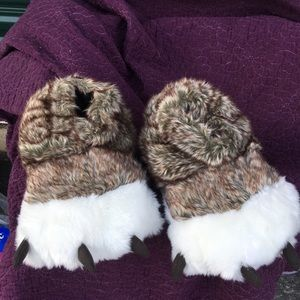 🎃Slippers size 5-7 Great Wolf lodge